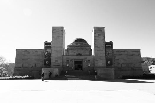 australian-war-memorial-facade
