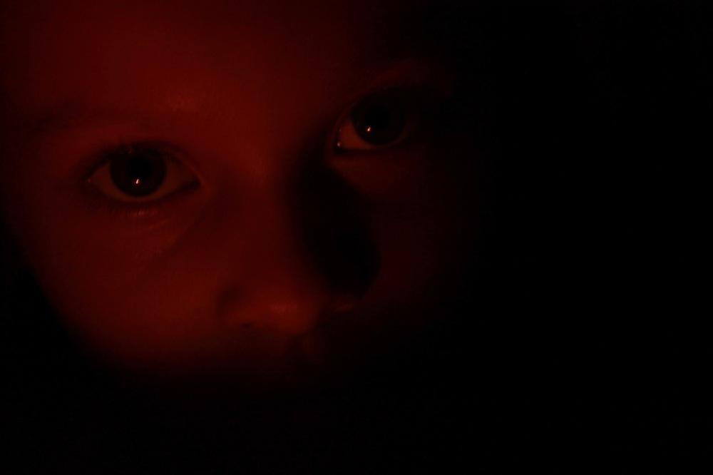 candle series sara eyes