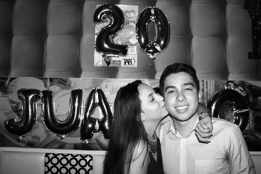 adriana boyfriend party bogota 20 friends love
