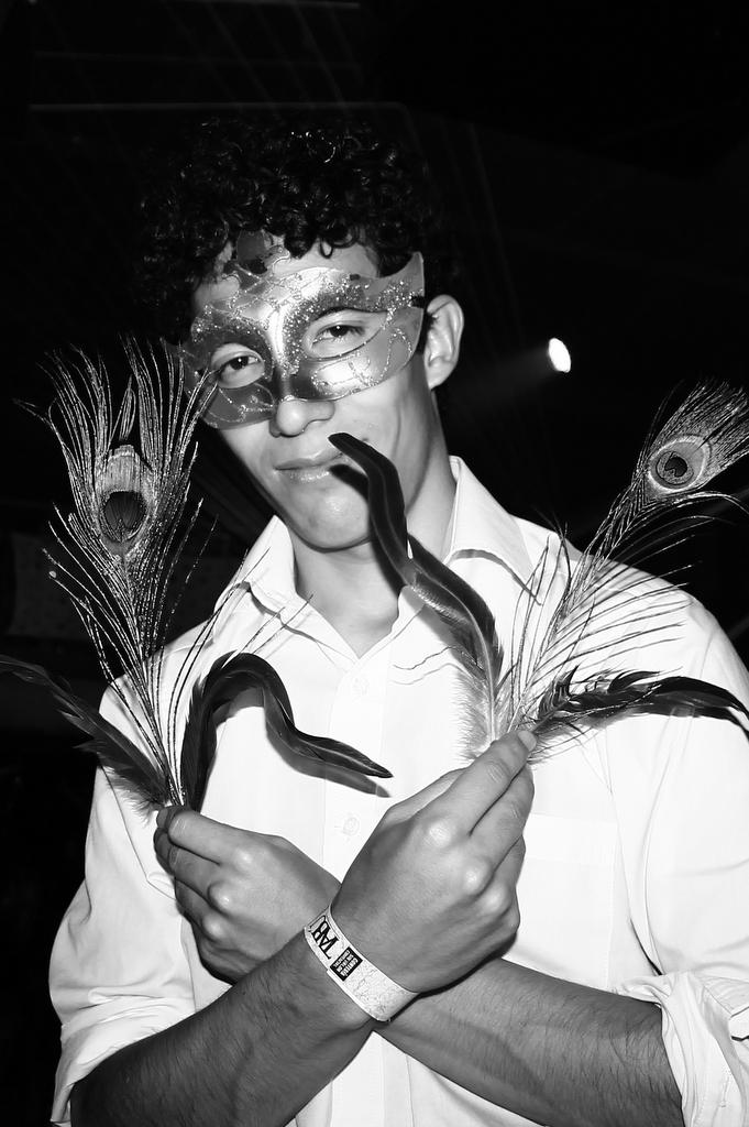 leonardo murillo masquerade party bogota fiesta