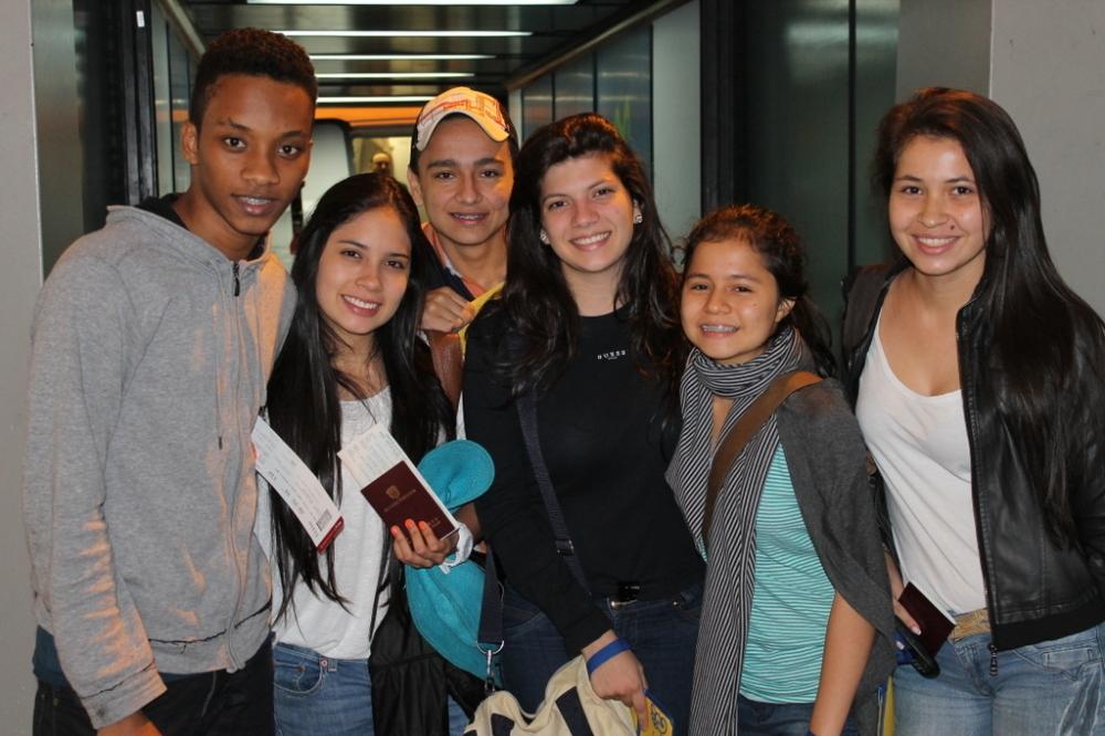 bogota-airport-departures-friends-excursion