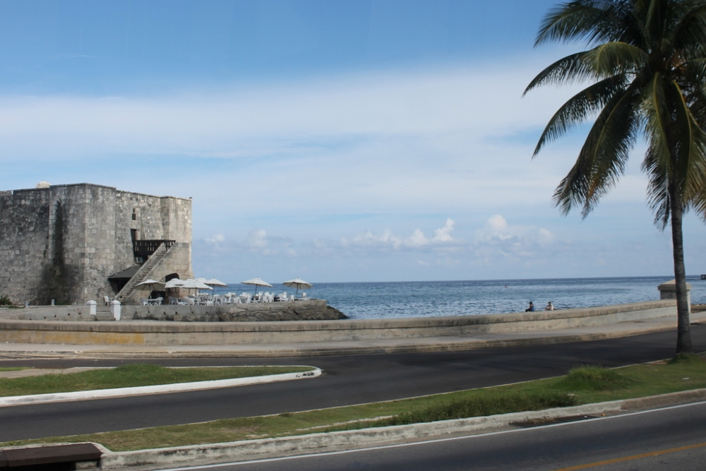 malecon-havana-from-the-bus