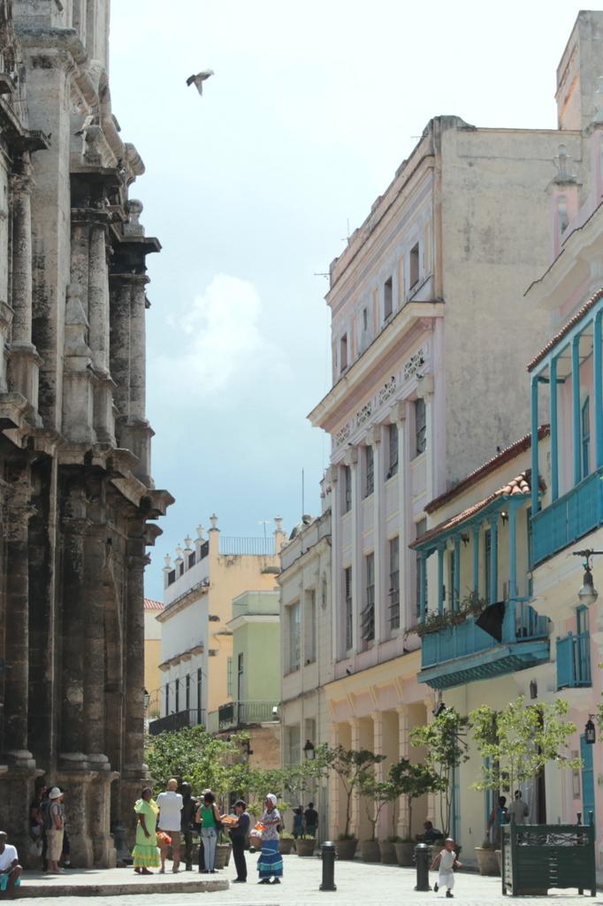 old-havana-streets-love