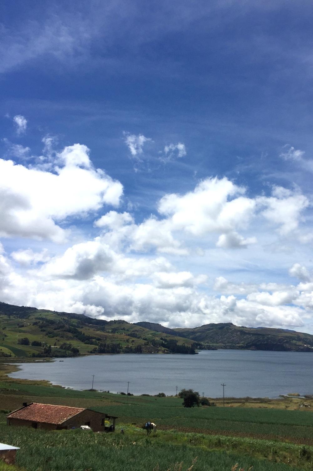laguna-de-tota-boyaca-colombia-landscape-lake
